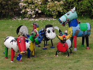 Beautiful, sturdy garden ornaments. Made in Vietnam from recycled 44 gallon drums.